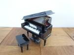 グランドピアノ 18cm ケース付き
