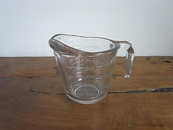 ガラスメジャーカップ